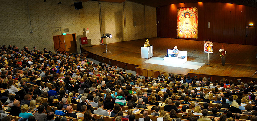Lama Ole Nydahl teaching in Hamburg Germany