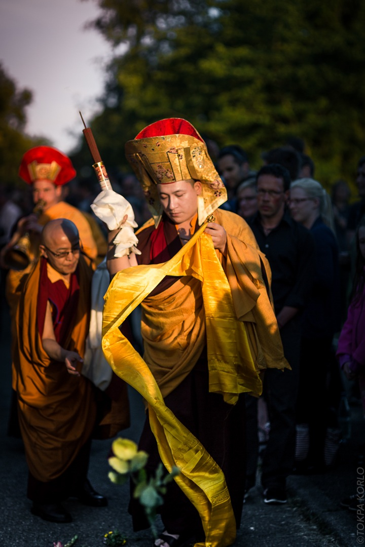 The 17th Karmapa Thaye Dorje during the farewell ceremonies for Shamar Rinpoche in Renchen, Germany. Photographer: Tokpa Korlo