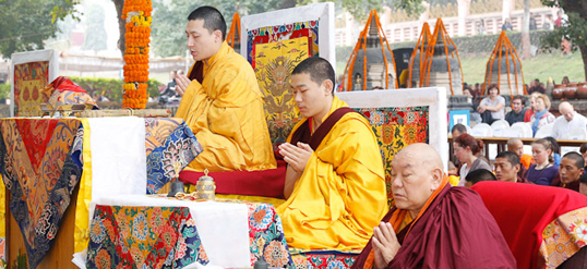 The 17th Karmapa leading ceremonies at the Kagyu Monlam in Bodh Gaya