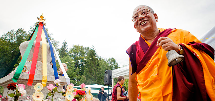 Sherab Gyaltsen Rinpoche inaugurating the stupa at the Europe Center.